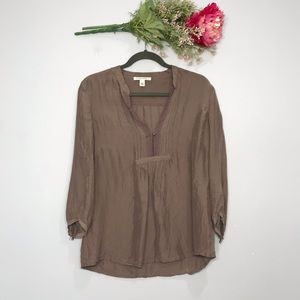 Banana Republic |V Neck 3/4 Sleeve Silk Blouse SZM